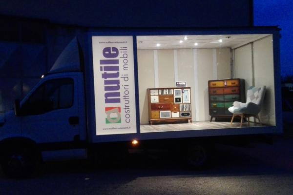 Scatti showroom in mobilita